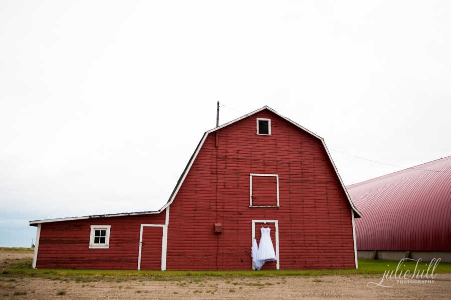 10-Crossfield-Alberta-Julie-Hill-Photography-Wedding-Brides-Dress-Red-Barn-Rustic-photo02