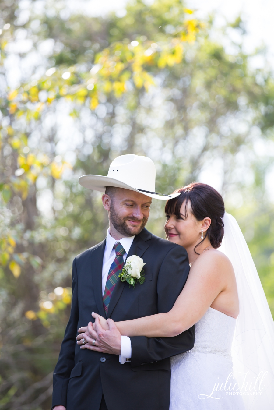 12-Cochrane-Alberta-Ranchehouse-Julie-Hill-Photography-Wedding-Field-formals-photo02