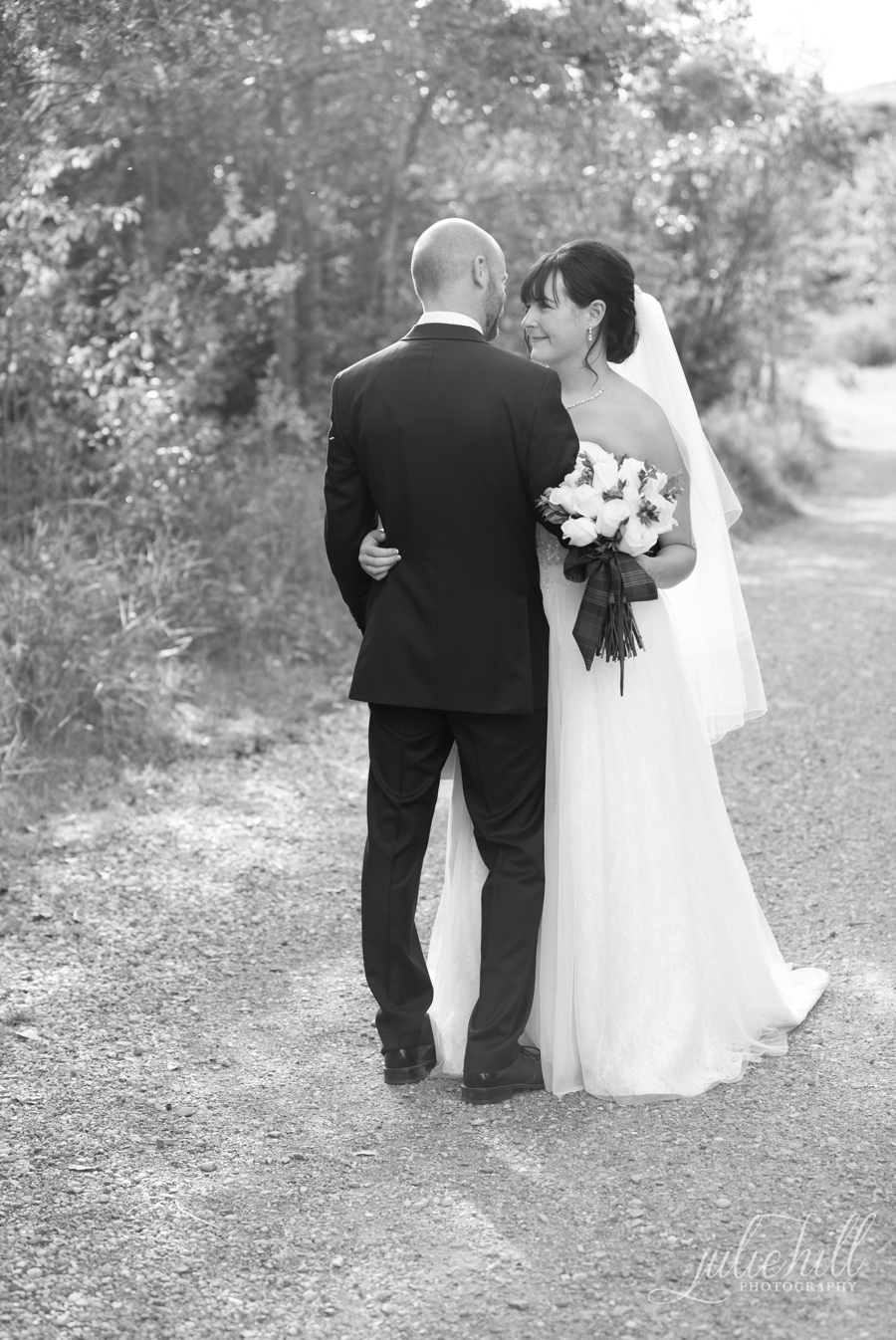 12-Cochrane-Alberta-Ranchehouse-Julie-Hill-Photography-Wedding-Field-formals-photo03